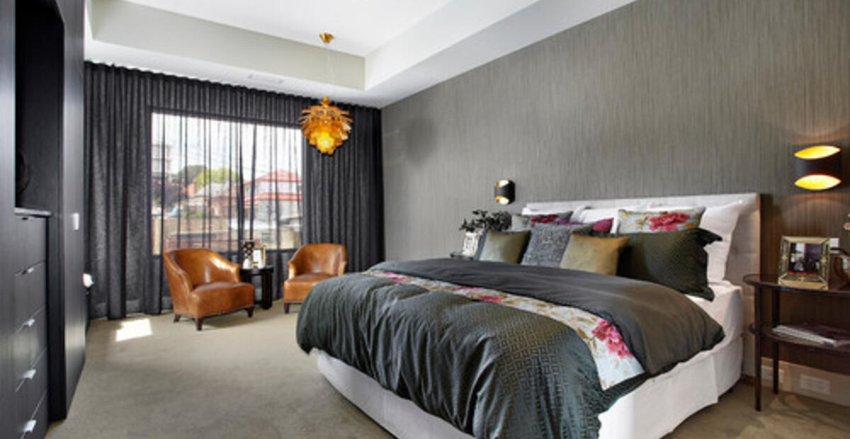 How To Decorate A Black And White Bedroom With Splash Of Color Plan N Design