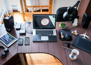 10 Must Have Gadgets to Set Up a Home Office