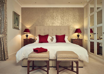 Luxury Bedroom Decor Ideas With Golden Touch