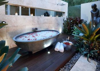 5 Romantic Bathtub Designs and Bathroom Luxury Ideas